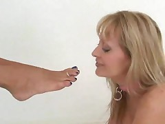 two Ladies Giving A Kiss Licking & Engulfing feet & toes