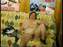 Fat French chick in a nasty fisting fetish clip