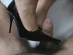 Cum to dark highhells shoes