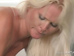 MAMMA Those sweethearts love it doggy style