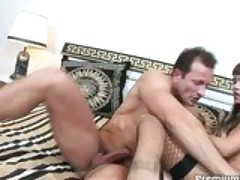 Lovely hoe gets her asshole pumped