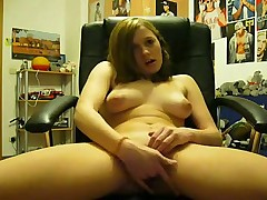 Young girl masturbate on camera