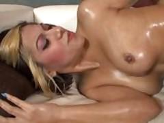 Vanessa Leon likes black Dick