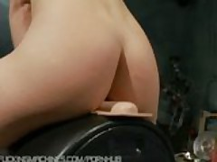 Amateur college student gets machine fucked deep for the first time