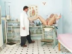 Mature Romana has old pussy gyno speculum examined by gyno doctor