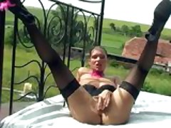 Exabisionist tramp masturbates outdoors