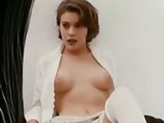 Alyssa_Milano_-_Embrace_of_the_Vampire