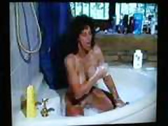 80's MILF Gets Dirty In Bathtub