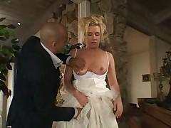 Bride is сumming