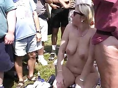 Fun handy a Nudist rally