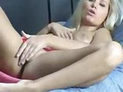Blonde loves to masturbate