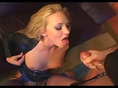 Blonde facesitting and oralsex in leather and purple lingerie