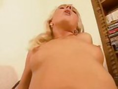 Hot blonde MILF gets her hole stretched