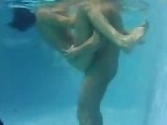 Passionate pussy penetration in the pool