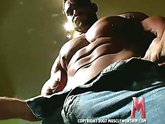 Get Your Kink On!-Muscle Worship