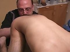 Izak - First Contact
