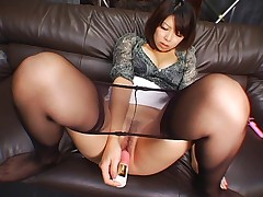Saki in Pantyhose Uncensored