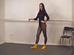 Sexy Gymnast In Pantyhose - M27