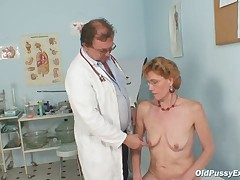 Classy old lady Mila needs gyno clinic examination