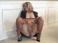 Sammi masturbates in pantyhose 040