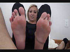 Lilyanna Pantyhose Footjob