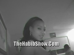 20 Year Cumm Sucker fucks Mandingo While Midget Watches