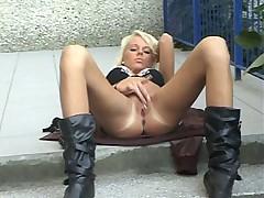 Blondes Hammer Masturbates