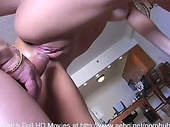 Arianna's First Time on Cam