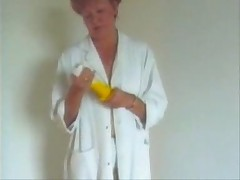 Granny in Pantyhose Dildo Play