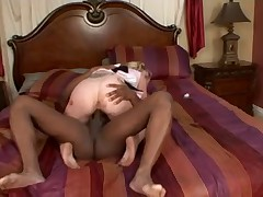 HOT CHEERLEADER BANGING A BLACK DONG...usb