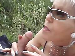 COQUINETTE SEXAGENAIRE COCHONNE ET FOLLE DE SEXE