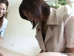 Amateur handjob and facesitting femdom