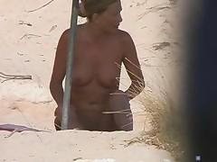 Voyeur beach2