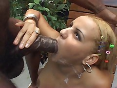 Larissa Vendramini takes a BBC in all holes