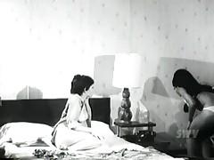 Swingtail Lesbian Scene