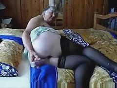 Dildoing a fat granny