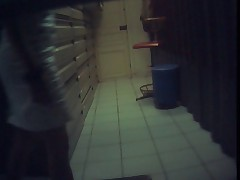 Baisee et filmee en spycam