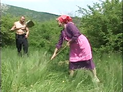 Granny Fucked in the Fields - Cireman