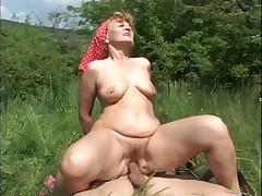 Granny Fucked in the Fields - Cireman