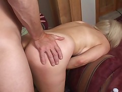 Mature likes it harder and deeper in the ass