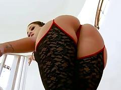 Liza del Sierra big booty