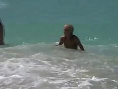 Filles s evib sur la plage 2