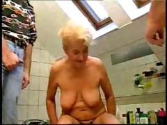 Oma wil neuken 2