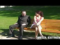 Hot Amateur girl - Upskirt und Masturbation in a public park