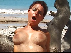 Katy and Delfynn threesome on the beach