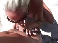 Public beach blowjob and fuck