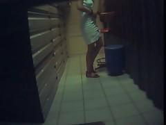 Baisee et filmee en spycam 2