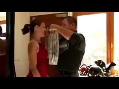 Papy fete l'anniv' de la femme de son ami