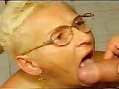 Piss: granny sex