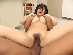 Fickung her naked Japanese pussy